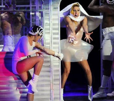 Lady Gaga - 325