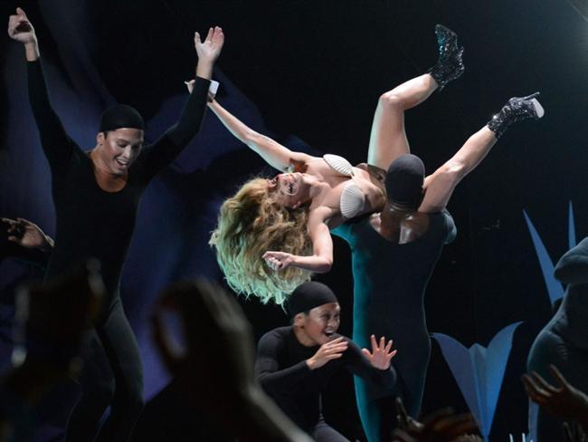 Lady Gaga - 32