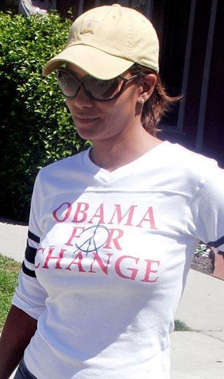 """Halle Berry  """"Değişim için Obama"""""""