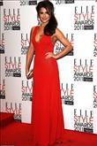 Emma Watson kırmızı halıda Hakaan elbisesiyle yürü - 4