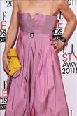 Emma Watson kırmızı halıda Hakaan elbisesiyle yürü - 17