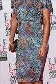 Emma Watson kırmızı halıda Hakaan elbisesiyle yürü - 12