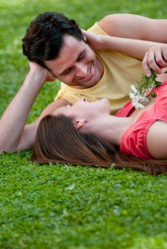 Boğa  Boğa burcu cinsel potansiyeli en yüksek ve tutkulu burçlardan biridir. Onun için cinsellik yemek içmek kadar doğal ve çok gerekli bir şeydir.   Cinselliğe çok önem vermesine rağmen partnerini değiştirmekten pek hoşlanmaz. Sevdiğine sadıktır.