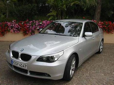 Hande Yener - BMW 530