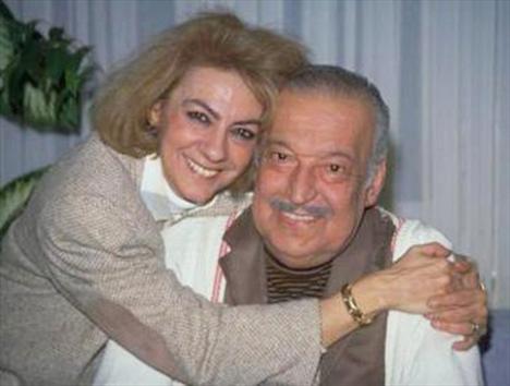 Sadri Alışık ile Çolpan İlhan'ın oğlu olan Kerem Alışık'ın dayısı da çok ünlü bir edebiyatçı.