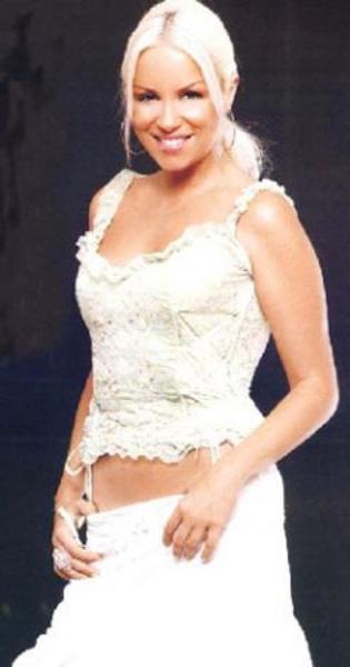 Kemancı kız Ayça Tekindor bakın hangi ünlü aktörün yeğeni.
