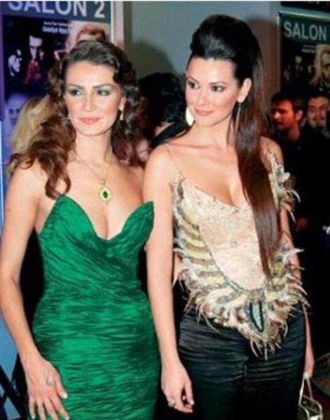 Her ikisi de Yeşilçam'ın ünlü bir aktörünün torunları.