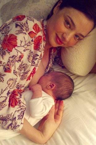 Miranda Kerr ve bebeği