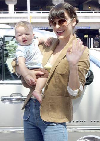 Mila Jovovich ve kızı Ever Gabo