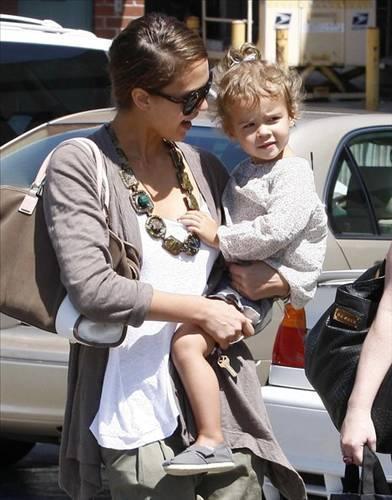 Jessica Alba ve kızı