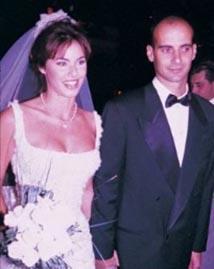 TAM HER ŞEY YOLUNDA GİDERKEN  Biri Türkiye'nin taçlı güelerindendi, diğeri başarılı ve genç bir mimar. Defne Samyeli ve Eren Talu ikisi de 20'li yaşlarındayken evlendi.