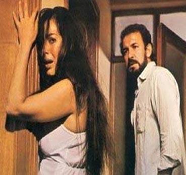 Yıl 1982'ydi. Şoray ve Cihan Ünal, Mine adlı filmde birlikte rol aldı.
