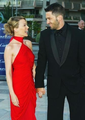 HASTALIĞI BİRLİKTE YENDİLERİ  Kylie Minogue, göğüs kanserine yakalandığında yanında sevgilisi Olivier Martinez vardı.