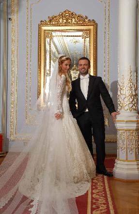 Çiftin evliliği mutlu bir şekilde sürüyor.