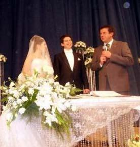 Kemal Sözkesen'in evlendiği Rana Asal, genç işadamanını çocukluk aşkıydı.