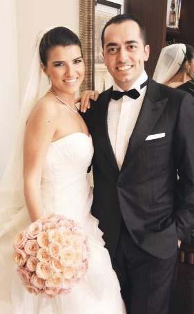 İnşaatçı Yaşar Aşçıoğlu'nun oğlu Cenk Aşçıoğlu da kısa bir süre önce çocukluk aşkı Serdem Güntekin ile evlendi.