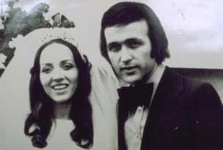 Evgin, kendisi gibi mimar olan okul arkadaşı Emel Evgin ile 28 Şubat 1973'te evlendi.