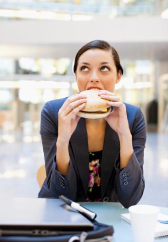 Açlık:  İçten gelen besin alımını uyaran bir işarettir.
