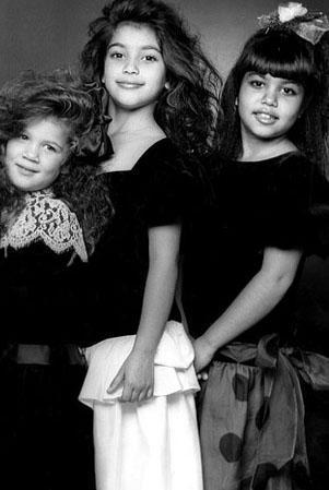 Büyükbabaları Türkiye'den, Sivas'tan göç eden bir Ermeni olan Kardashian kardeşlerin adını tüm ABD 1995 yılında duydu.