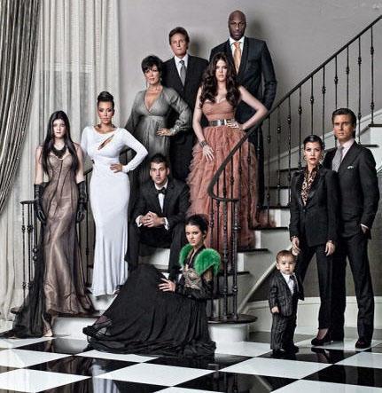 Kardashian ailesi geçen Noel'de 'klan' halinde objektif karşısına geçerek bir tebrik kartı için poz verdi.