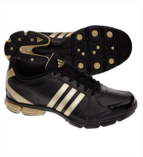 Egzersiz ve Yürüyüş 3- Adidas Core 55 Egzersiz sırasında ayakları desteklemek üzere tasarlanmış ayakkabı oldukça hafif ve nefes alan bir yapıya sahip. 128 TL.