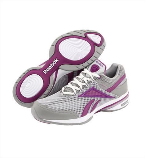 Egzersiz ve Yürüyüş 5- Reebok Easytone Renew Tabanındaki denge noktalarıyla bacak ve kalça bölgesindeki kasların sıkılaşmasını sağlayan ayakkabı, dikişsiz yapısı ile sürtünmeye bağlı iritasyonları minimize ediyor. 179 TL.
