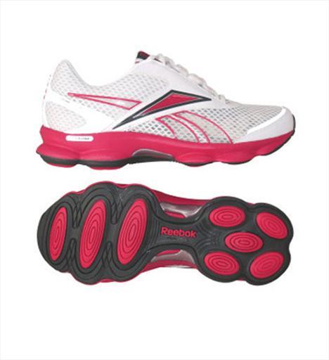 Koşu 2- Reebok Runtone Action Easytone ayakkabıların koşu için üretilmiş bu versiyonu, taban özelliğiyle koşu sırasında bacak ve kalça kaslarını sıkılaştırıyor, forma sokuyor. 157.50 TL.