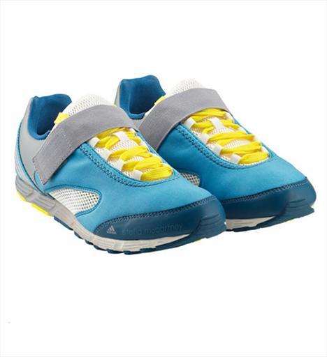 Koşu 3- Stella McCartney Skeiron Runner Neopren ve gözenekli sentetik malzemeyle kaplı sayası, ince yapısıyla ultra light bir ayakkabı. Elastik bant ayağın üst kısmını destekliyor. 220 TL.