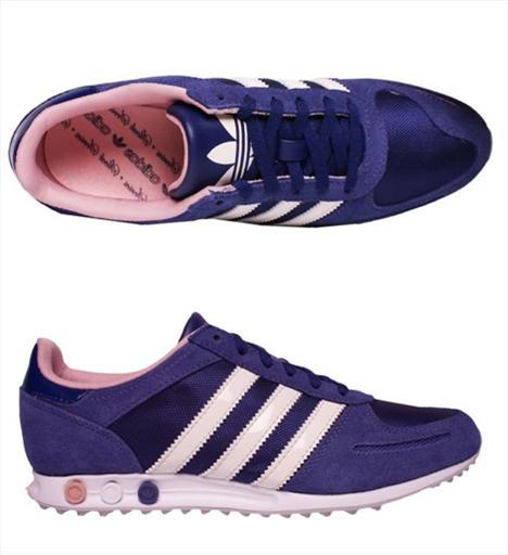 Günlük 7- Adidas L.A. Trainer Sleek 80'li yılların koşu ikonu olan bu ayakkabılar feminen detaylarla süslenmiş. Oldukça ince yapılı ayakkabının tabanı yeri kavramaya yarayan dişlerle kaplı. 161 TL.