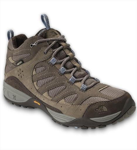 Outdoor 6- The North Face Sable Mid GTX XC Doğada, dağlarda uzun yürüyüşler yapmak üzere tasarlanmış hiking botu, bir koşu ayakkabısının çevikliğine de sahip. Tüm teknik özellikleriyle zorlu zeminlerde ihtiyaç duyulan yere tutunma, ergonomi ve sağlam yapıyı garanti ediyor. 289 TL.