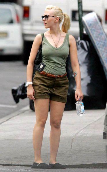 Scarlett Johansson: 1.63 m