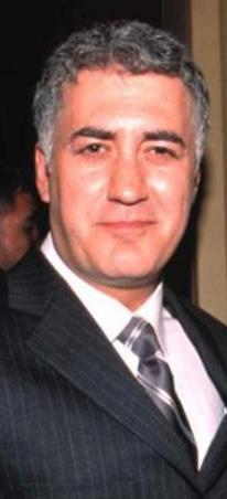 Babam Olur musun, Demir Leblebi, Nasıl Evde Kaldım gibi dizilerde rol aldı daha sonra..   Asıl büyük çıkışını ise Çocuklar Duymasın dizisindeki Haluk rolüyle yaptı.