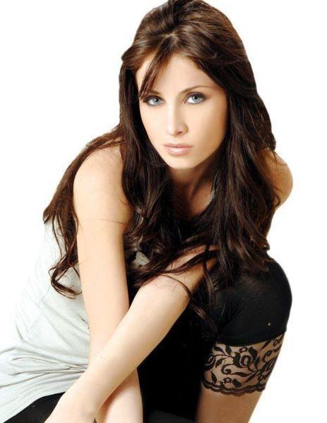 44. Anabella Hilal, Model ve TV oyuncusu,  Lübnan'dan.
