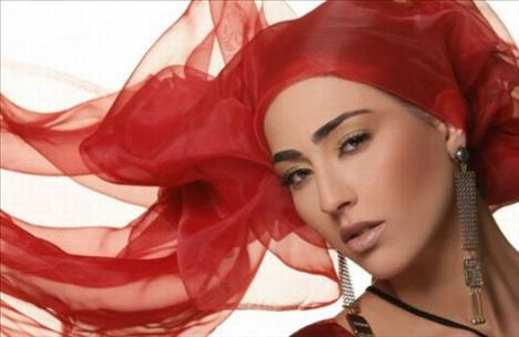 42. Myriam Benzerga, Model, Cezayir