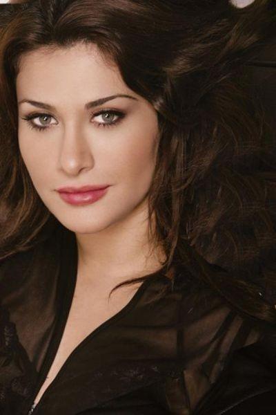 31. Karina Eid, şarkıcı, piyanist, besteci, Lübnan.