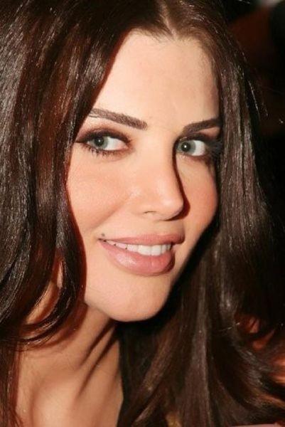 8. Mona Abou Hamzeh, TV sunucusu, Lübnan