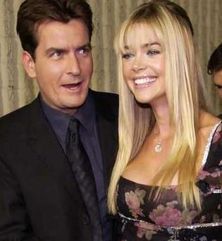 Charlie Sheen ve iki sevgilisi - 25
