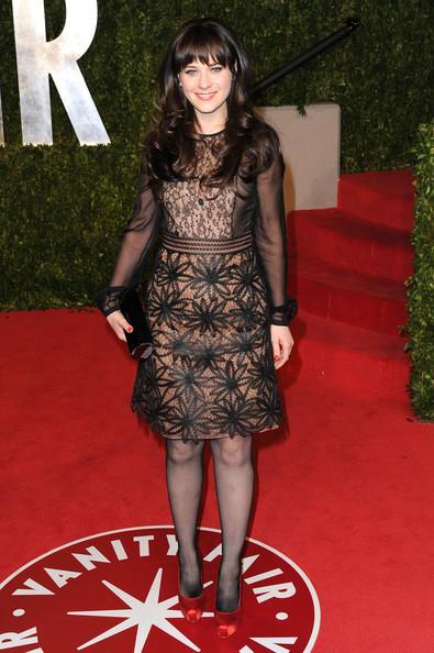 Güzel aktris Zoey Deschanel'in elbisesi Valentino İlkbahar - yaz 2011 koleksiyonundan.