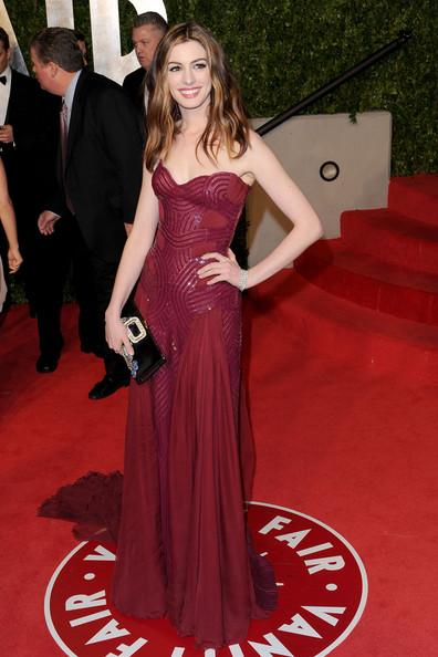 Anne Hathaway'in elbisesi Versace Atalier ilkbahar- Yaz 2011
