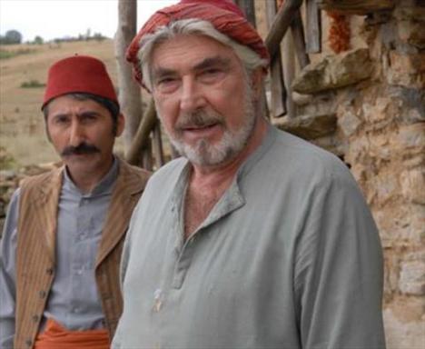 İki sezon Elveda Rumeli'de rol aldı Özyağcılar.