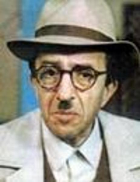Türk sinemasının önde gelen karakter oyuncularından biri Kolukısa.