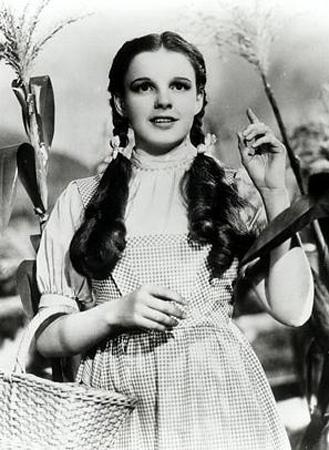 Judy Garland   Hollywood'un uyuşturucu yüzünden hayata erken veda eden ünlülerinden biri daha..