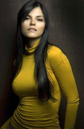 24 - Venezuela - Claudia La Gatta