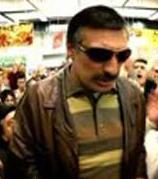 Bir jilet fimasının tanıtımı için çekilen bu reklam filmi Memişoğlu'nu reklam şöhreti' haline getirdi.