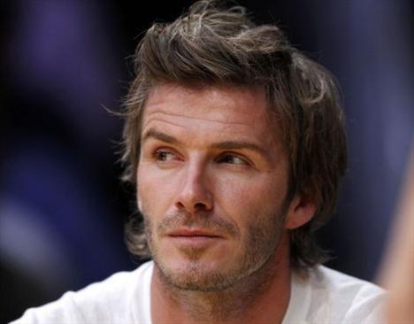Etrafındaki herşeyin simetrik olmasına özen gösteren LA Galaxy takımının yıldız futbolcusunun bu halinden eşi Victoria Beckham'ın pek de memnun olduğu söylenemez.