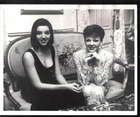 Liza Minnelli ve annesi Judy Garland
