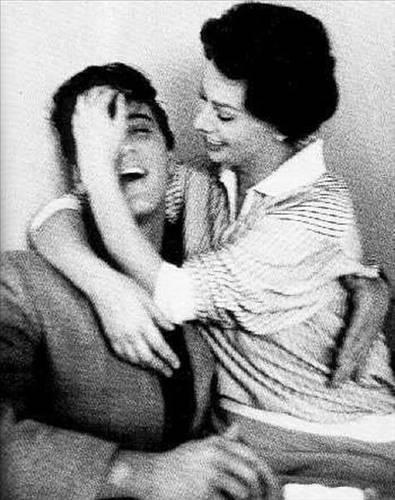 Elvis Presley ve Sophia Loren