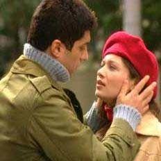 İlk başrolünü ise Asmalı Konak'ta oynadı. Sonra bir çok TV dizisi ve sinema filmi geldi. Yeşilçay, Fatih Akın'ın yönettiği Yaşamın Kıyısında filmiyle Cannes Film Festivali'ne de katıldı.