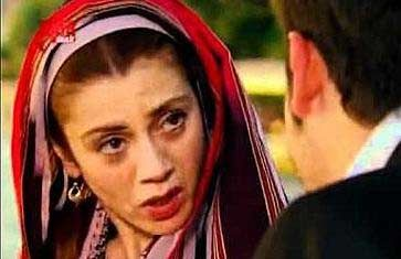 Bu sinema filmi belki onun daha fazla tanınmasına neden olmadı. Ama ardından rol aldığı dizi kelimenin tam anlamıyla Bahadır'ın hayatını değiştirdi.
