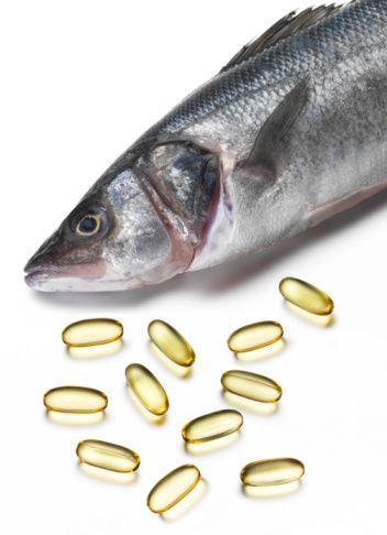Bağışıklı için Omega-3! Antioksidan özelliğe sahip olan omega-3 bağışıklık sisteminin güçlenmesine yardımcı olacaktır. Omega-3 kaynağı olarak, kış aylarında sofralarımızın vazgeçilmesi balığın tüketimini arttırın. Balık türü olarak; yağlı balıklardan somon, ringa, sardalye, ton, uskumru gibi tercih ederken, pişirme işlemlerinden buğulama şeklini tercih edin. Ayrıca ceviz, badem, soya filizi, nohut, keten tohumu ve semizotu iyi birer omega-3 kaynağıdır.